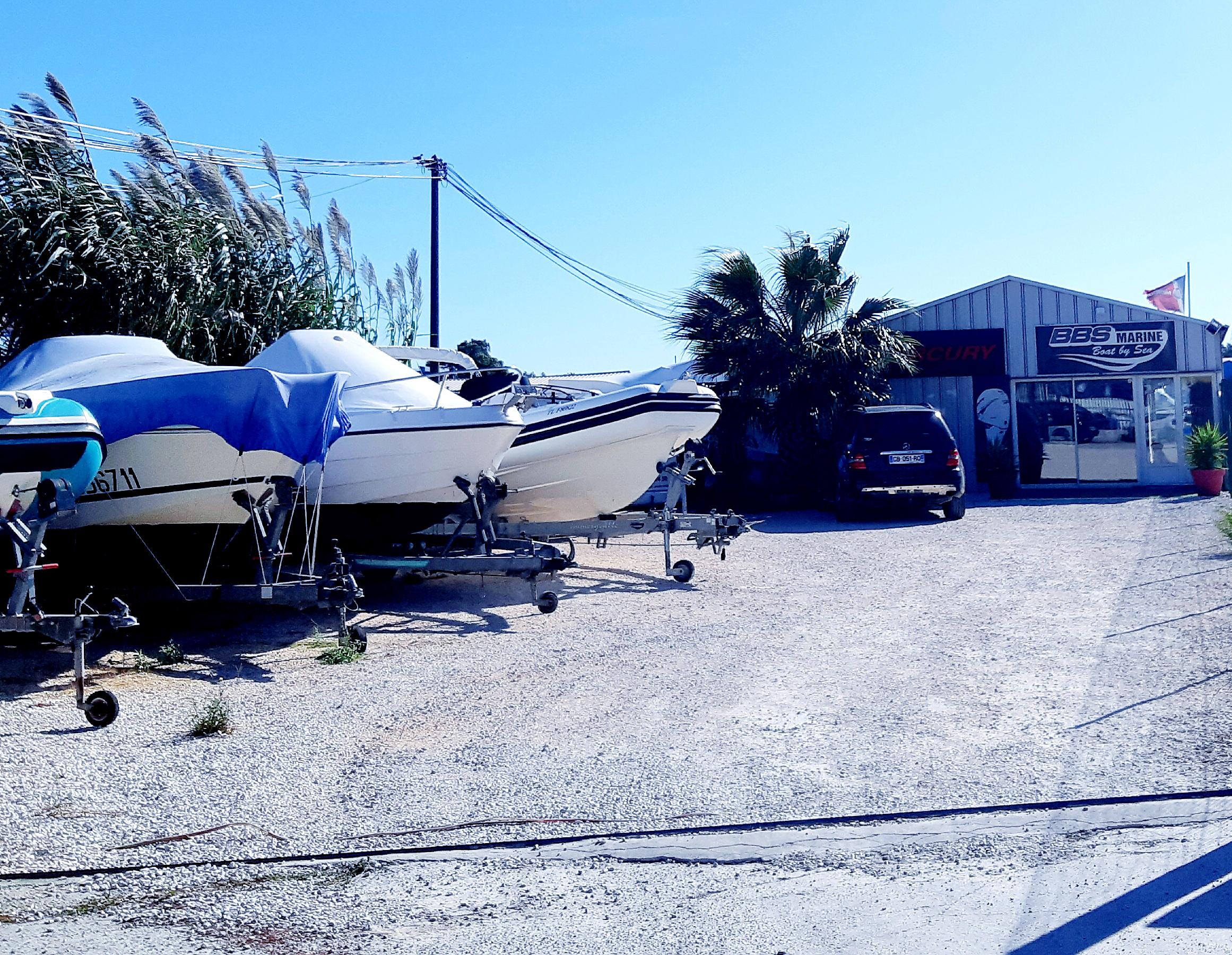 Stationnement bateau à Hyères