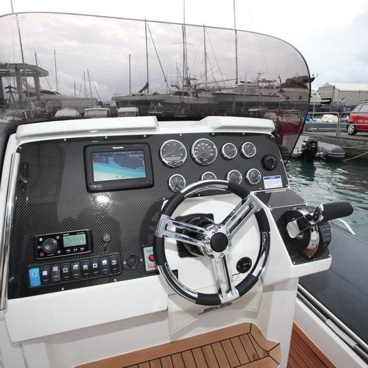 Amélioration, customisation design bateau moteur