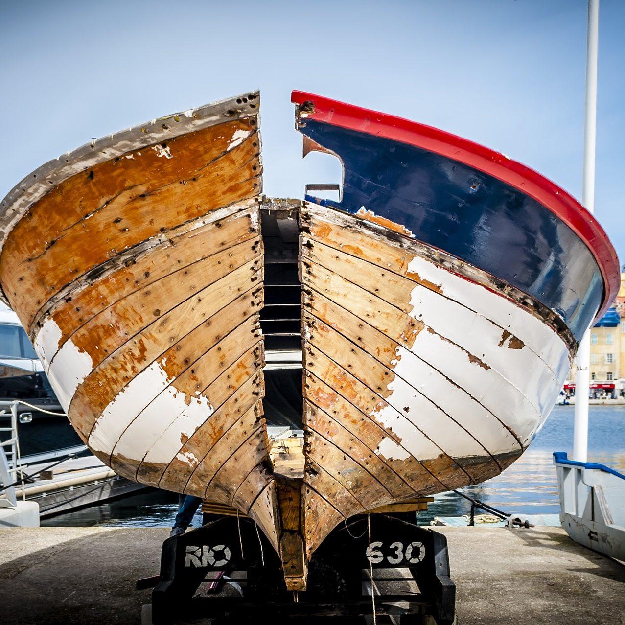 Réparation bateaux et moteurs marins